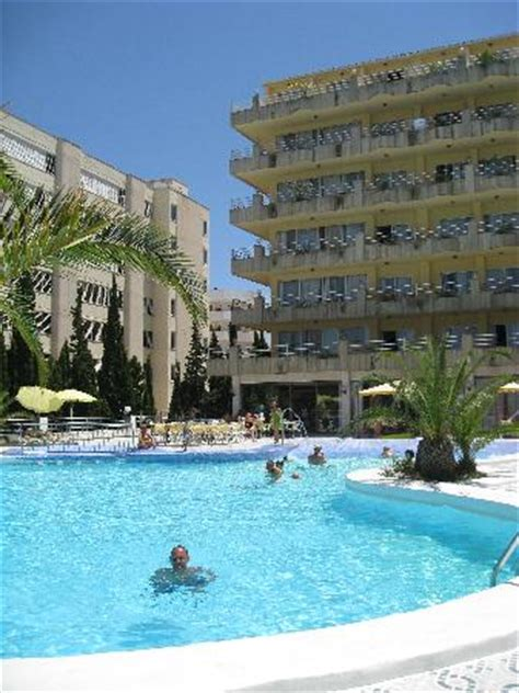 Hotel+piscina - Picture of Playa Blanca Hotel, S'illot