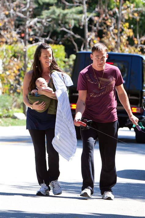 Souleye Photos Photos - Alanis Morissette in Brentwood