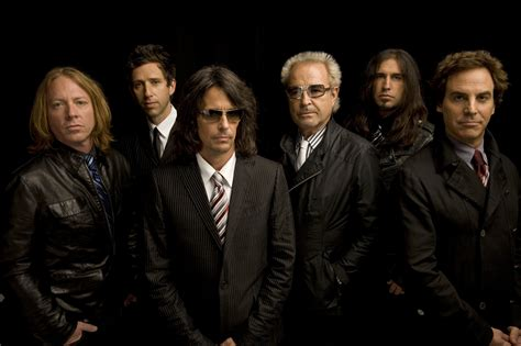Foreigner will introduce songs from new album and perform