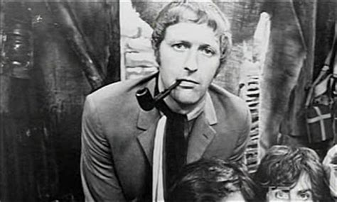 The Briar Files: Featured Pipe Smoker: Graham Chapman
