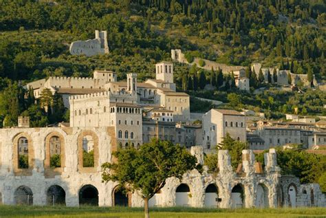 Gubbio, improbable and exciting - Ville in Italia