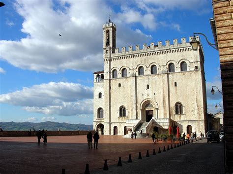 Gubbio – Travel guide at Wikivoyage