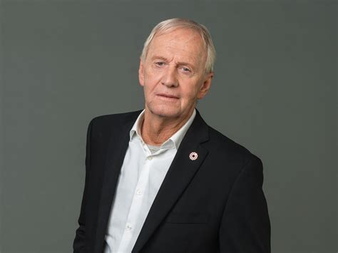 Up Close with Actor Paul Hogan | Travel Insider