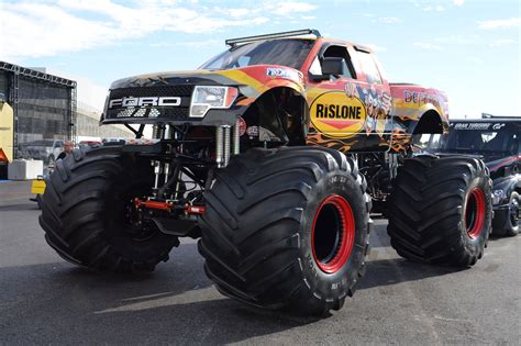 SEMA 2015 Monsters, Jeeps, Trail Rigs and Mud Boggers